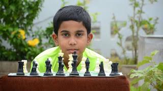Bimbo di 11 anni sopravvive al cancro e diventa campione di scacchi