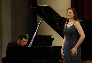 Sylvia Schwartz and Simon Lepper perform at the Rosenblatt Recitals, June 2012
