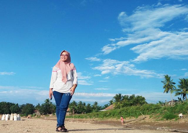 Senja Haru Biru Kampung Srimenanti, Lampung