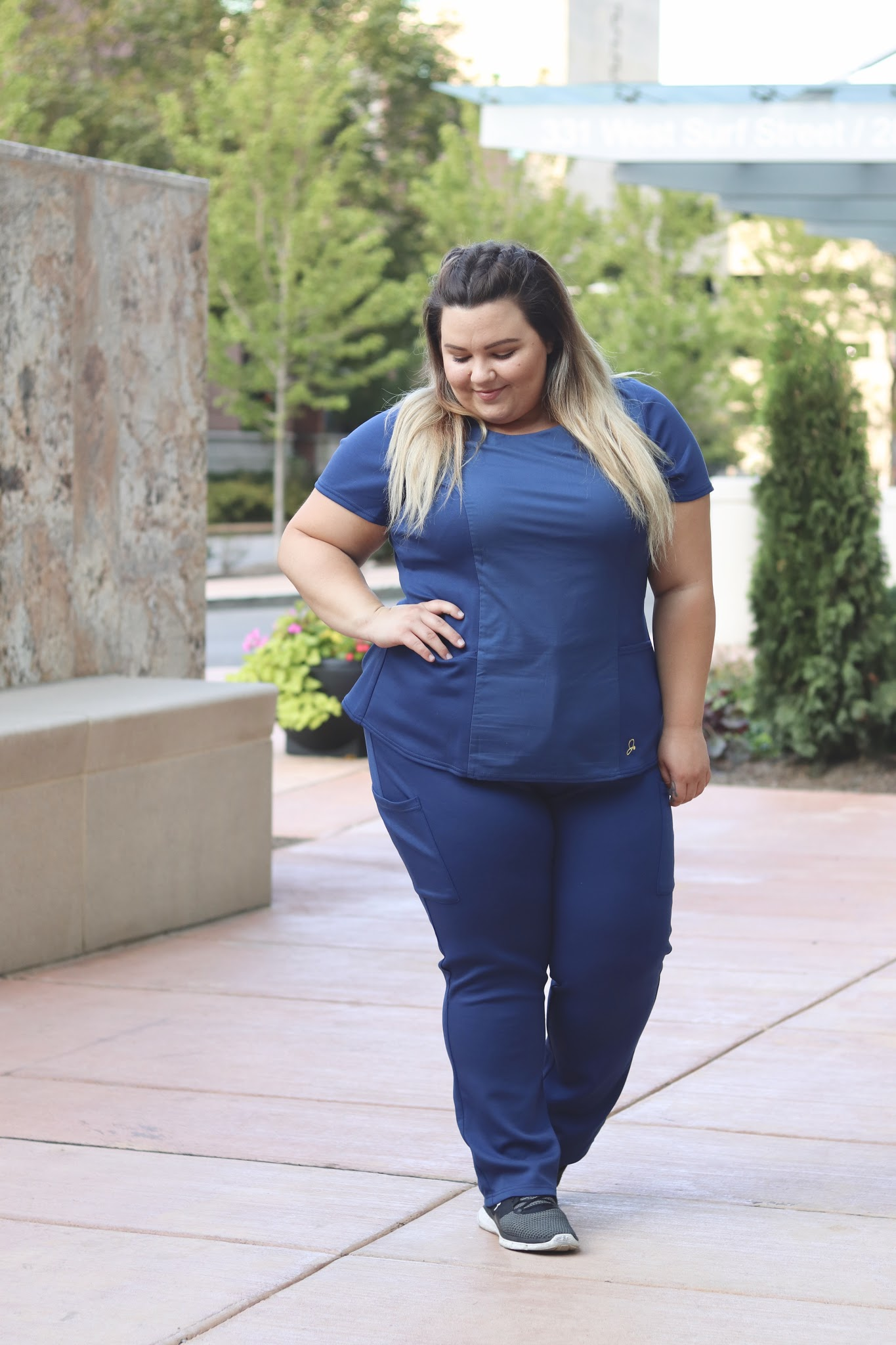 plus size scrubs, plus size medical apparel, affordable plus size clothing, natalie in the city, natalie craig, plus size fashion, Chicago plus size fashion blogger
