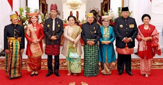 Foto Bareng Jokowi-JK, SBY Cabut Tinggalkan Tempat Bilang Anak-Anak