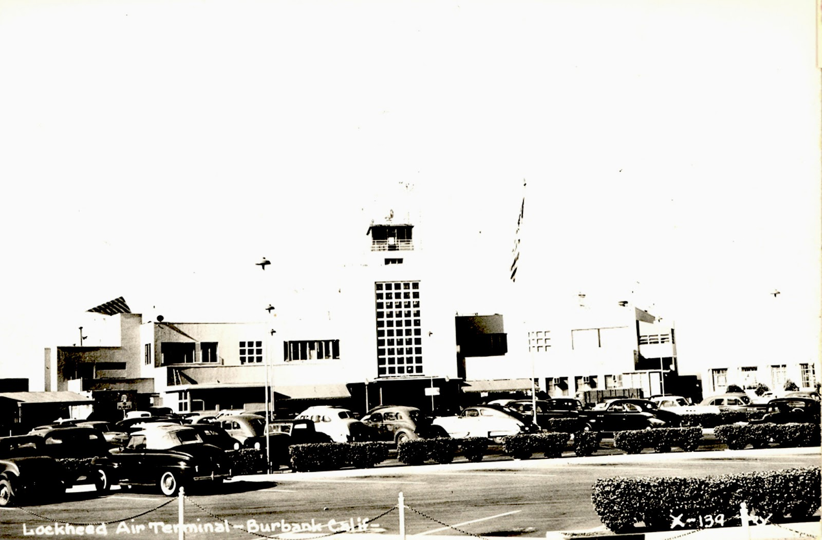 Lockheed Airport Terminal - Burbank, California - historic postcard - gift  to The Museum of the San Fernando Valley from Gary Fredburg 2013 (click on  image ...