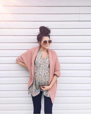 Jak modnie ubierać się w ciąży jesienią 2019 - stylizacje dla przyszłych mam