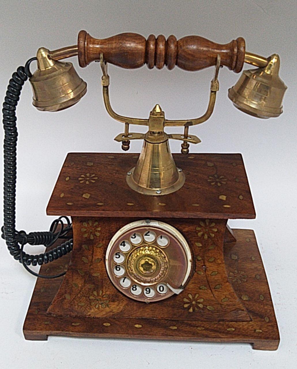 73b718e32877f تليفون ديكور قرص خشبي هاند ميد براس نحاس