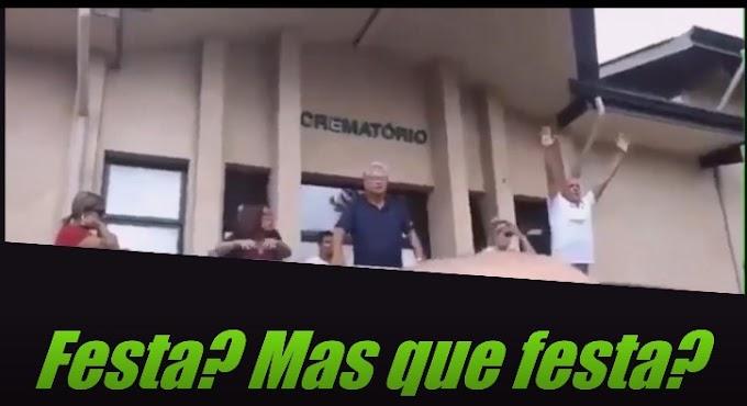 No velório do neto de Lula, ato falho de Okamoto gera protestos de militantes