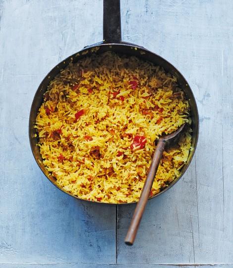 Fluffy tomato rice