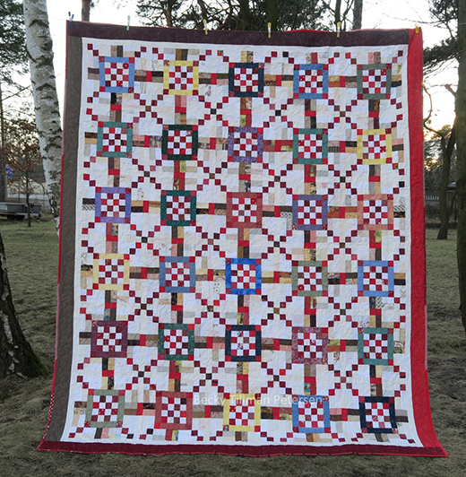 Sixteen in the Spotlight Quilt Free Pattern
