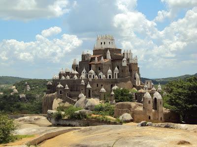 http://4.bp.blogspot.com/-N3zHGwCJFiU/TWEX07VPCVI/AAAAAAAAAYw/3MeUGBLSTRA/s1600/castelo+ze+dos+montes.JPG