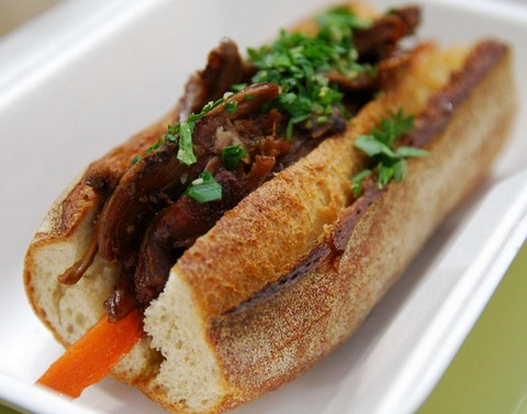 Fulfilling lamb and carrot sandwich