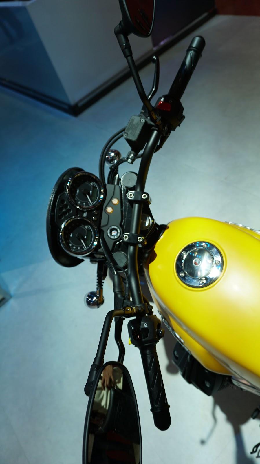 Moto Guzzi V7 II STORNELLO
