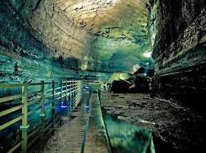 wisata gua menarik