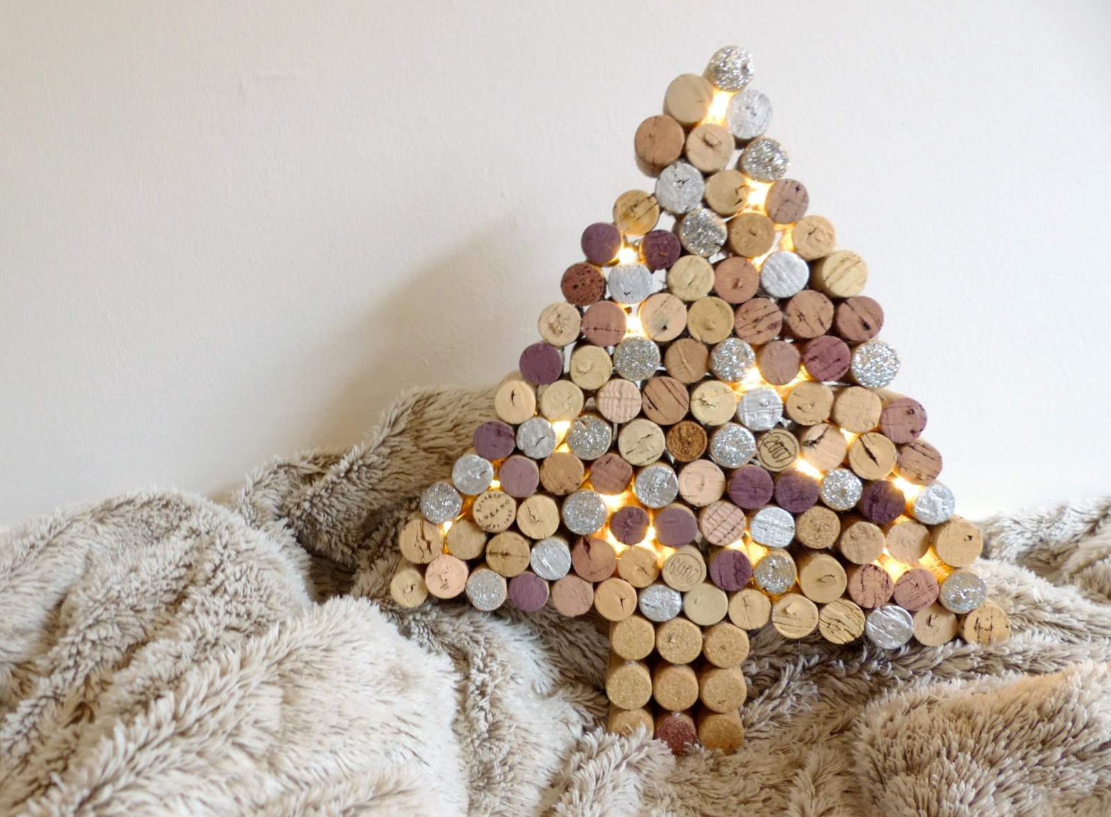 Diy sapin de no l en bouchons de li ge blog diy do it yourself jules coton - Sapin de noel diy ...