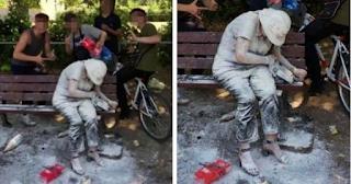 Έφηβοι έφτυσαν και έλουσαν με αλεύρι και αυγά ανάπηρη γυναίκα για να γελάσουν