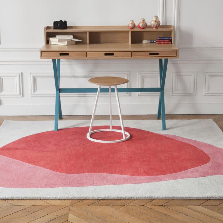 dywan w domowym biurze