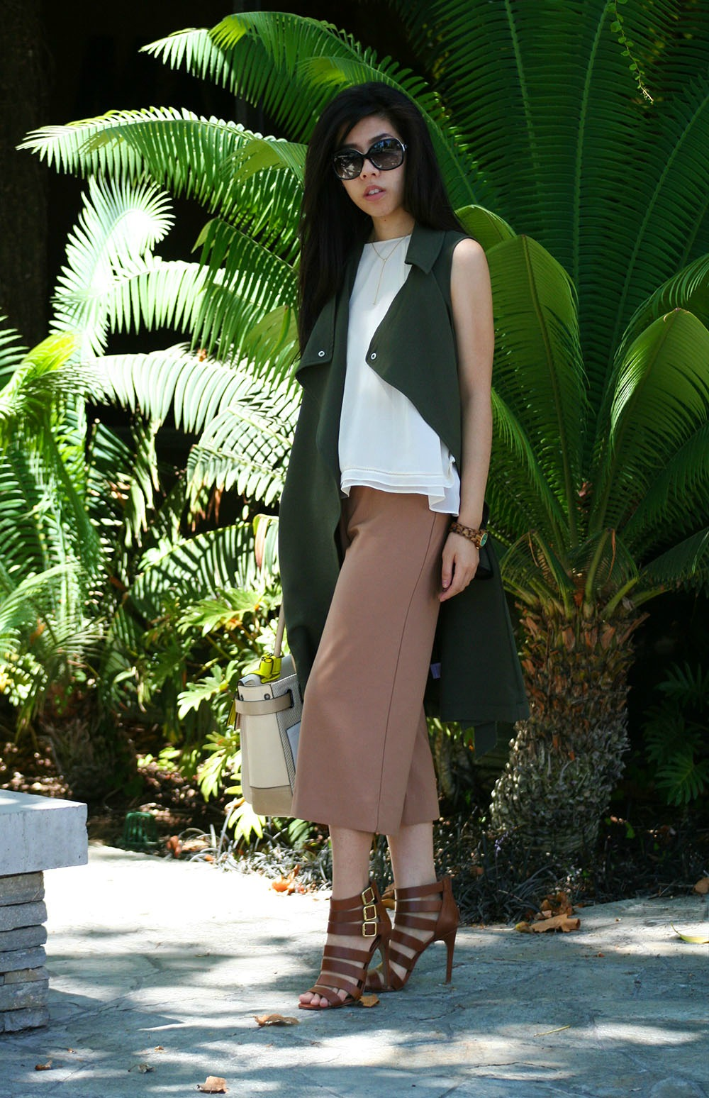 What to Wear to NYFW_New York Fashion WEek_How to look chic while it is hot