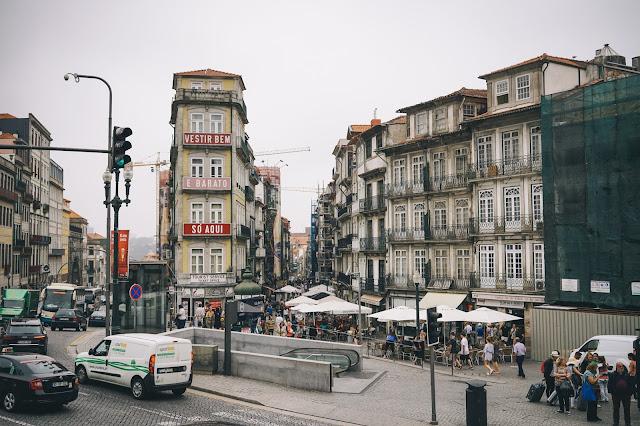 サン・ベント駅(Estação de São Bento)からの眺め