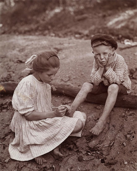 big-sister-getting-splinter-out-ca-1910