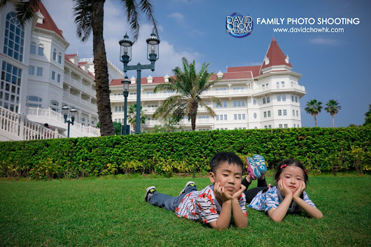 Family photos at Disney Hotel