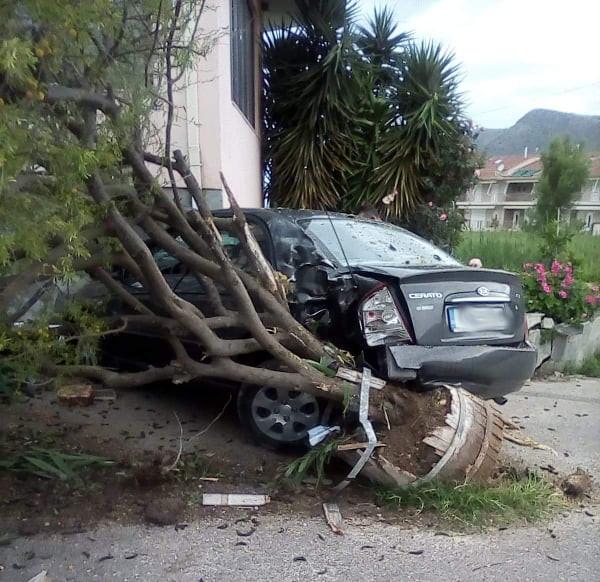 Ήγουμενιτσα: Τροχαίο ατύχημα πριν λίγο στην Πλαταριά Ηγουμενίτσας