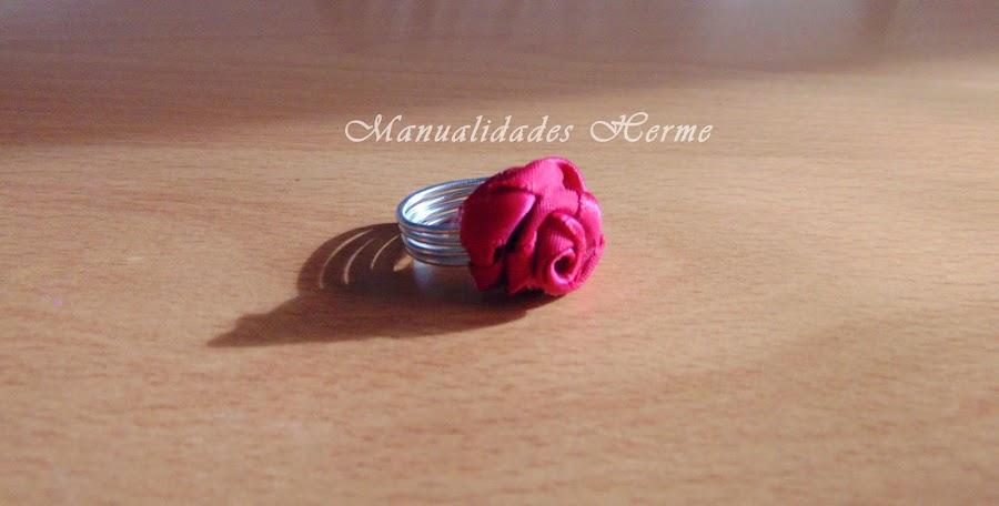 anillo rosa en cinta de raso