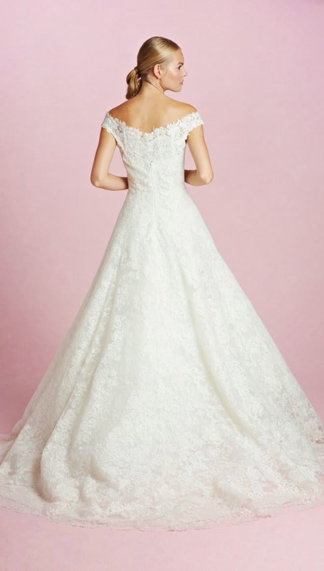 Oscar de la renta bridal fall 2015 belle the magazine well that was mrs clooneys dress now take a look at the rest of the collection please contact oscar de la renta junglespirit