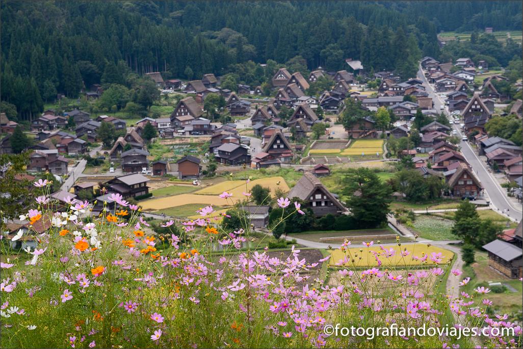 Shirakawa-go Ogimachi en Japón desde el mirador