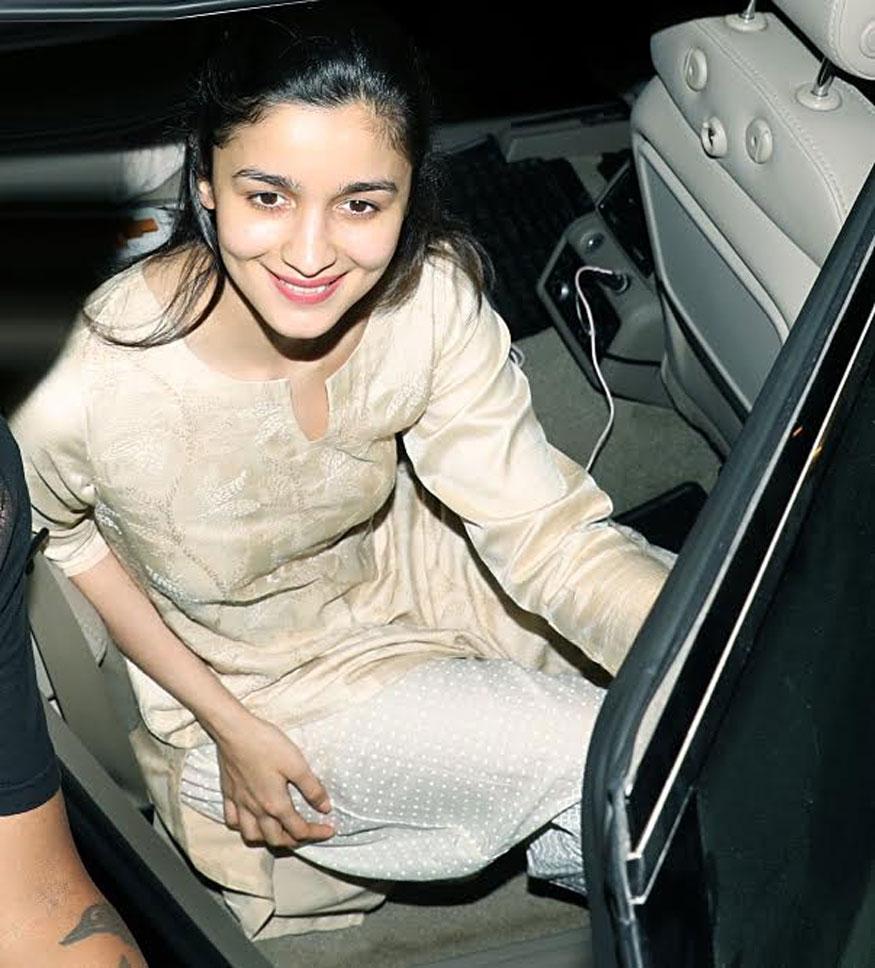 Alia Bhatt at BBLUNT In Khar, Mumbai