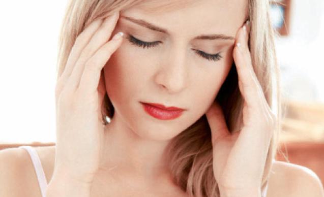 إذا شعرت بهذا الألم في رأسك استشر الطبيب.. قد تكون حياتك في خطر!