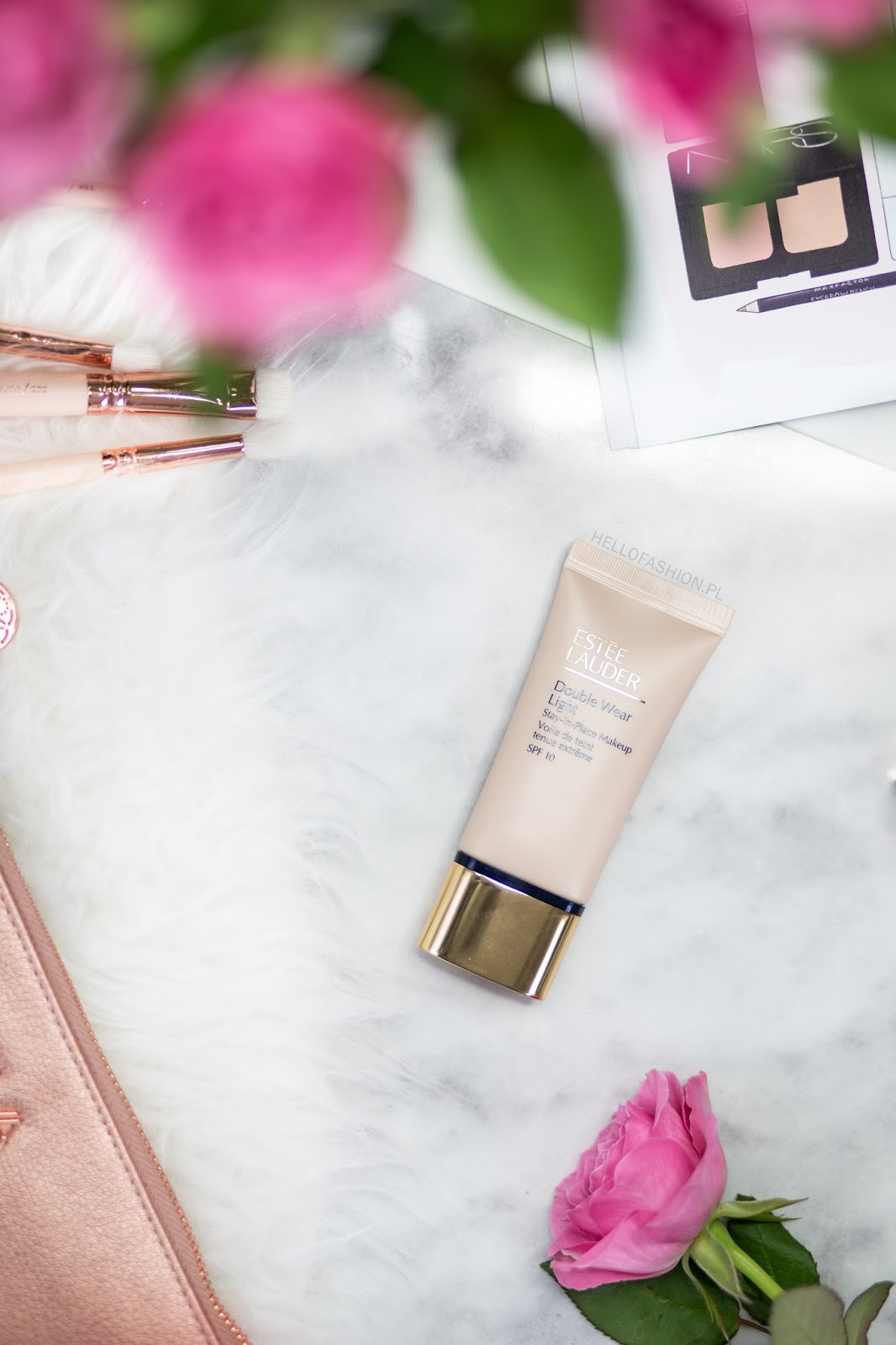 este lauder double wear light recenzja