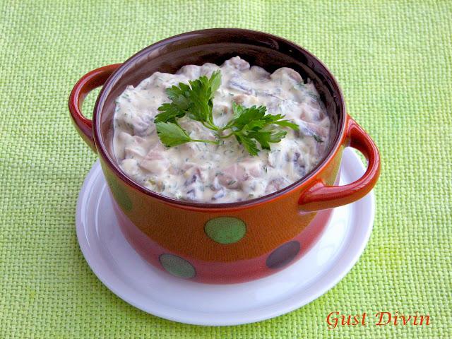 salata de ciuperci cu maioneza si castraveciori