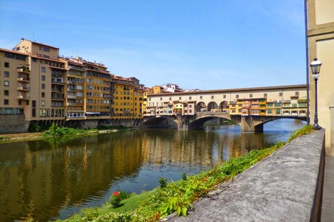 P1070333 - Vale a pena pegar uma guia que fale português em Florença?