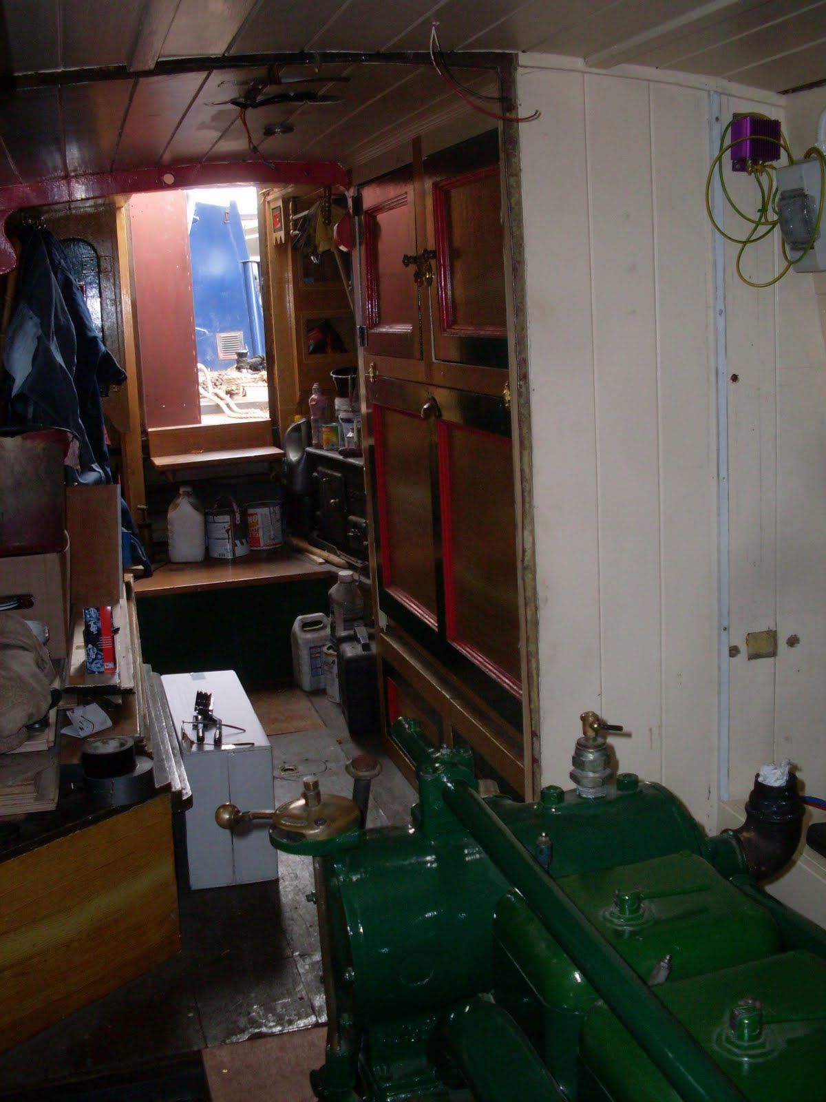 Spaceship Engine Room: Narrowboat Star: December 2011