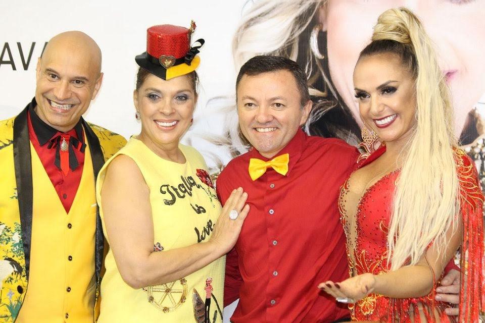 Francine Carvalho e amigos. Foto: Renato Cipriano/Zuleika Ferreira - RZ Assessoria