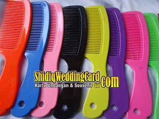 http://www.shidiqweddingcard.com/2015/07/sovenir-sisir-ge.html
