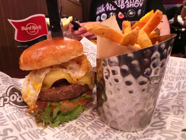 World Burger Tour Hard Rock Café restaurant burger Local Legendary burger