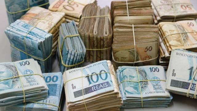 Suíça anuncia bloqueio de mais de R$ 3 bilhões em contas de suspeitos na Lava Jato