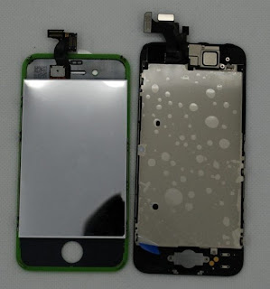 iPhone 5: foto del display e del micro connettore da SINOCET