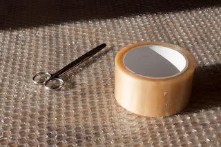 Sfaturi pentru folosirea foliei cu bule în ambalarea articolelor fragile