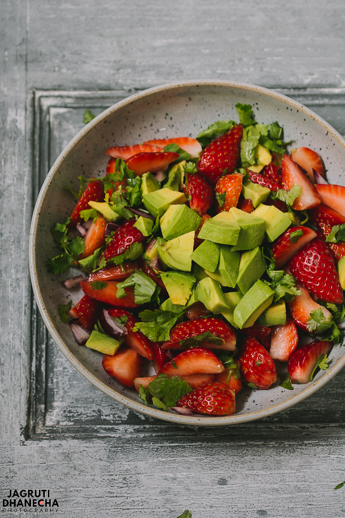 This Strawberry and Avocado Salsa is made with juicy strawberries, creamy avocado, red onion and fresh coriander to provide bursts of fresh flavours!