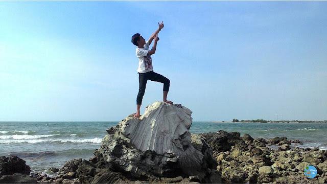 Batu Karang Pantai Blebak