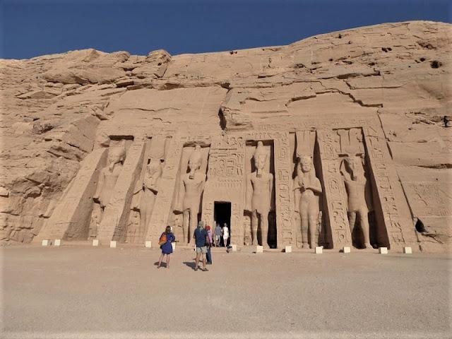 il piccolo tempio di abu simbel