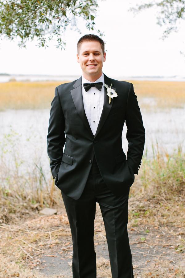 shabby+chic+wedding+spring+summer+pastel+champagne+pink+black+white+bride+groom+bouquet+ceremony+centerpiece+floral+flower+bridesmaid+dresses+dress+riverland+studios+4 - Charleston Pastel