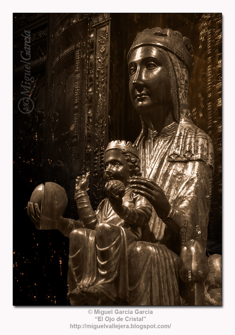Mare de Déu de Montserrat —La Moreneta—