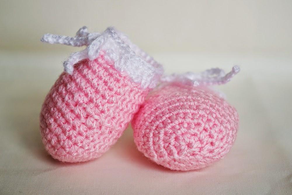 Mitones de lana para bebé de ganchillo