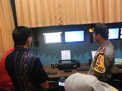 Royke Lumowa Resmikan Sistem IKM Elektronik Polres Buru