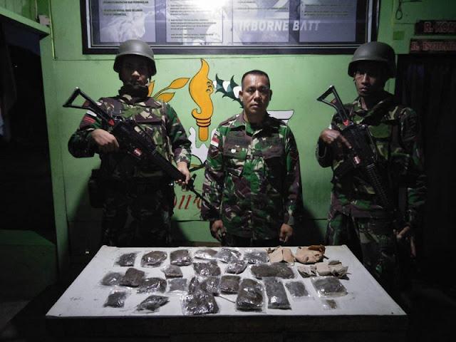 Patroli Diperbatasan, Satgas Pamtas Yonif PR 328 Kostrad Gagalkan Transaksi Ganja