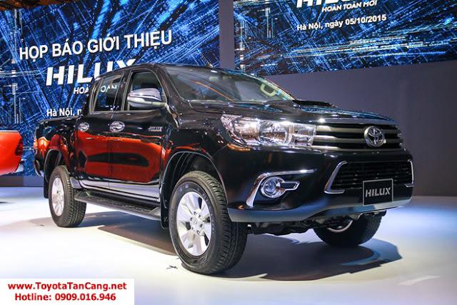hilux 25E toyota tan cang -  - So sánh Toyota Hilux và Mitsubishi Triton 2016 : Cạnh tranh mạnh mẽ trong phân khúc xe bán tải