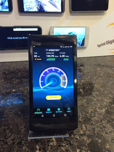 Moto and Sprint show new device running 1Gbps speeds