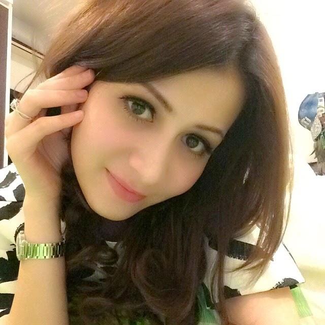 Foto Bugil Skandal Kesha Ratuliu: Foto Bugil Telanjang Artis Cantik Rina Diana New