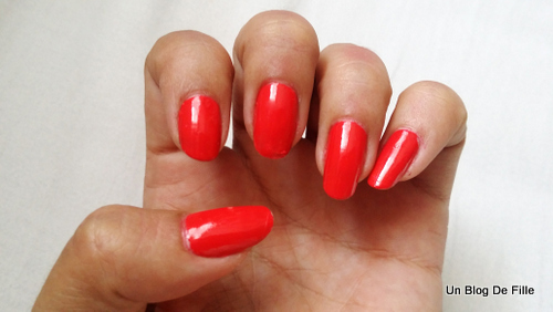http://unblogdefille.blogspot.fr/2015/07/swatch-opi-red-lights-ahead-where.html